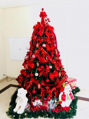 arvore de natal vermelha