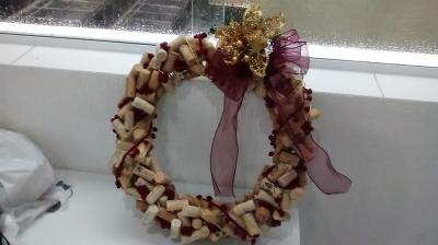 Guirlanda natalina de rolha de vinho - Aluguel decoração de natal