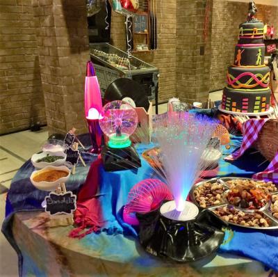 Festa anos 60 e 70 - Aluguel de decoração festa anos 60 e 70